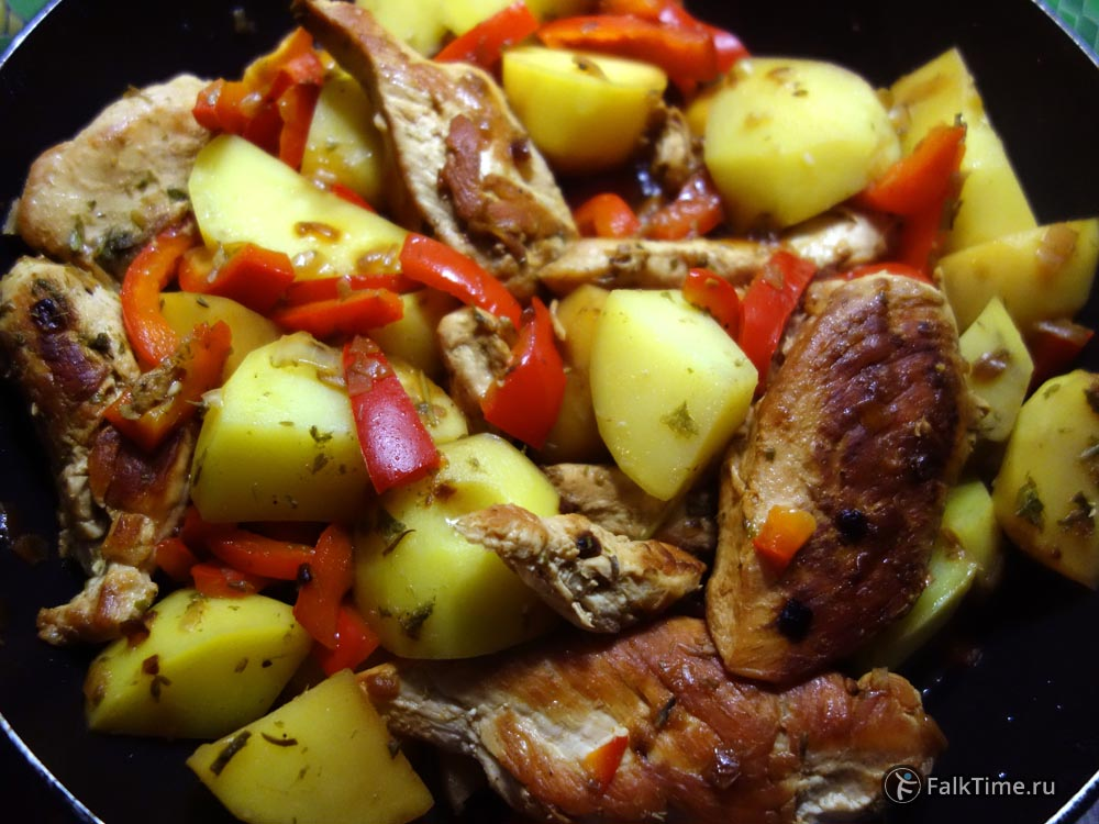 Перемешайте курицу по-мароккански с овощами